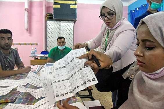Algérie: le principal parti islamiste revendique la victoire aux législatives