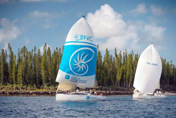 Michel Quintin vire en tête de la Kunié Sailing Week