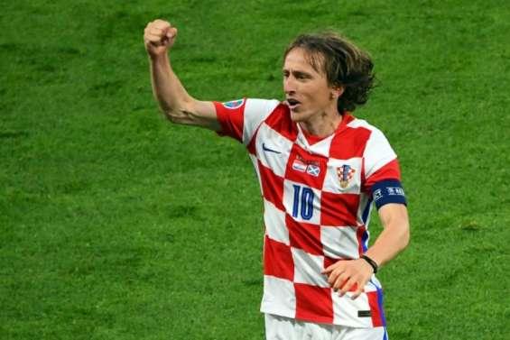 Euro: La Croatie avance grâce à Modric
