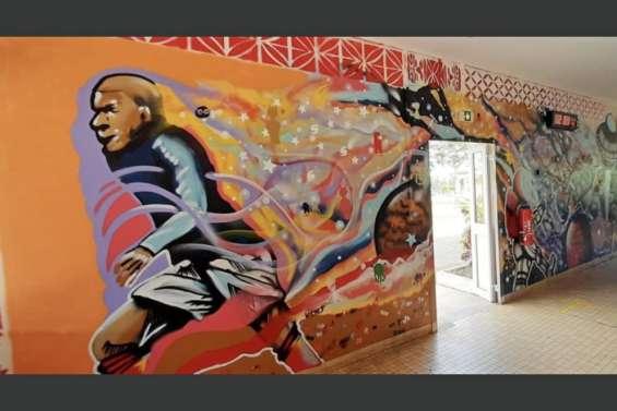Des murs colorés à l'internat provincial et à l'école des Allamandas