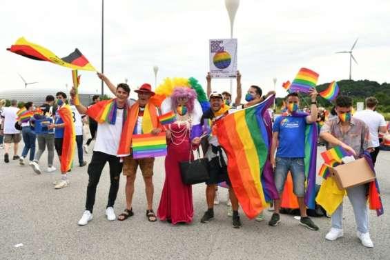 Droits LGBT: l'Allemagne se pare aux couleurs arc-en-ciel