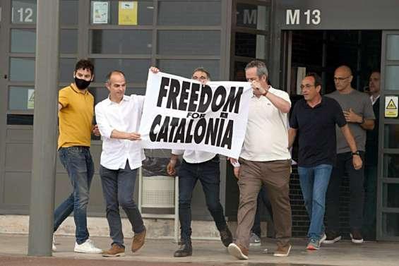 Espagne: graciés, les indépendantistes catalans sortent de prison