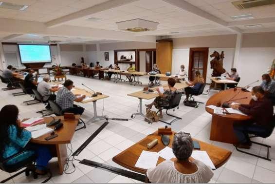 Le conseil municipal  se réunit vendredi soir