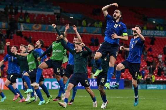 Euro: l'Italie arrache son quart au bout de la nuit, le Danemark épate