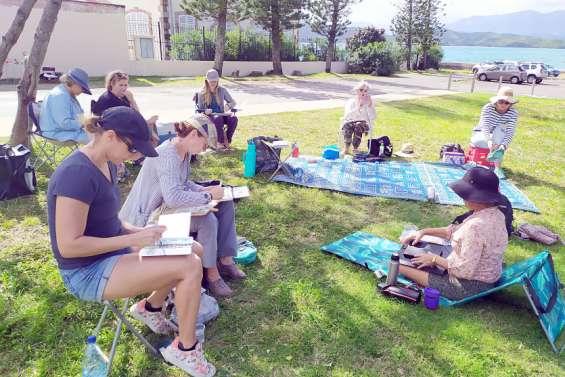Les urban sketchers croquent le bagne de la presqu'île