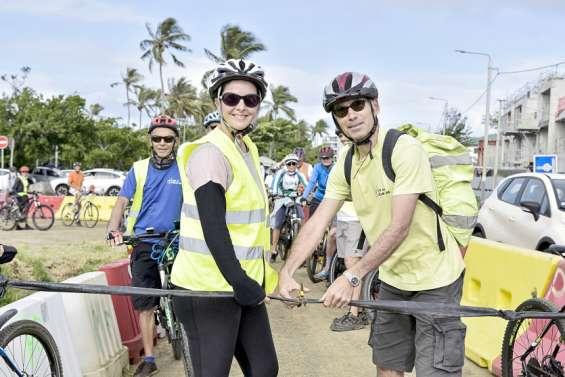 Ravis par sa mise en place, les cyclistes ont inauguré la pisteprovisoire de la RP14