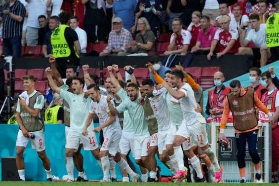 Euro: l'Espagne qualifiée au bout de la folie, France-Suisse pour un quart