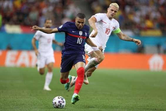 Football : désillusion pour les Bleus, éliminés en 8es de finale par la Suisse
