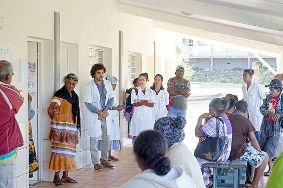 Le personnel du centre médical de Tadine a débrayé une heure, lundi matin