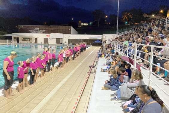 Le gala de natation artistique a attiré 500 personnes ce week-end