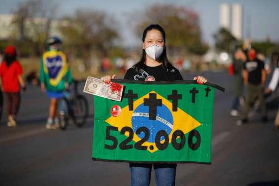 Des milliers de Brésiliens manifestent contre Bolsonaro