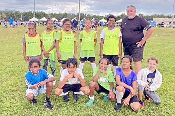 Quand le touch rugby élargit l'horizon des jeunes filles des quartiers