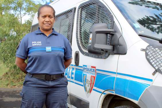 Véronique Waneisi, première cheffe de la police municipale du Mont-Dore, et fière de l'être