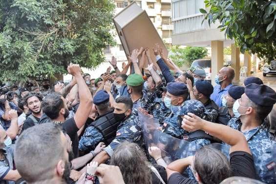 Enquête sur l'explosion de Beyrouth: heurts entre policiers et manifestants