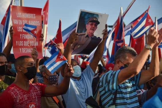 Cuba: le régime mobilise ses partisans