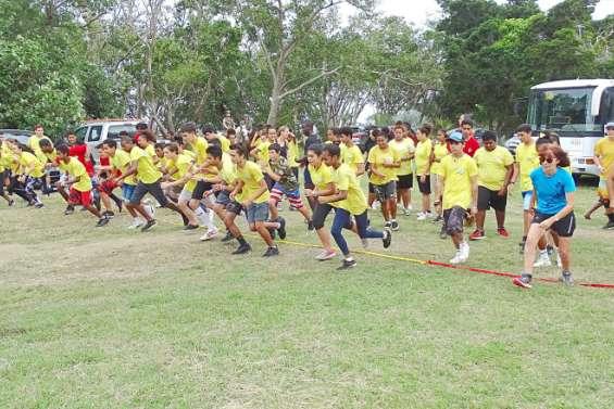 Trois cents élèves entre terre et mer à Bourail