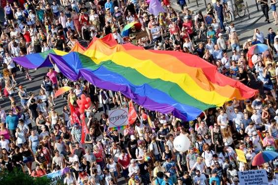 Un référendum sur la loi anti-LGBT