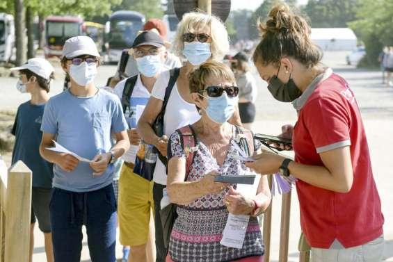 Pass sanitaire: des députésse rebiffent et des citoyenss'interrogent