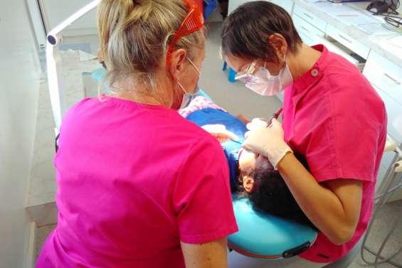 La caravane bucco-dentaire en tournée dans les écoles du Nord
