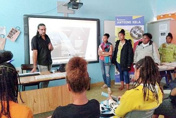 Lycéens et collégiens se rencontrent pour discuter de l'orientation
