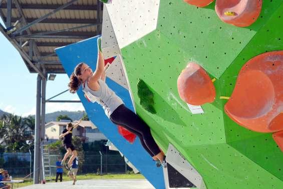 Escalade : plus de 100 grimpeurs réunis au championnat de bloc
