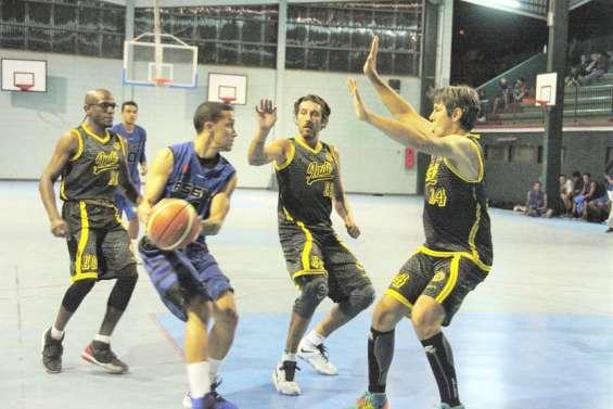 Basket-ball : les filles de l'AS 6e Km et les garçons de l'AS Dumbéa invaincus