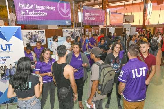 Le Salon des études supérieures fait le plein