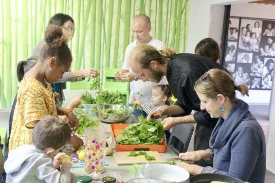 La cuisine s'invite à la maison  de la Famille, pour son atelier mensuel
