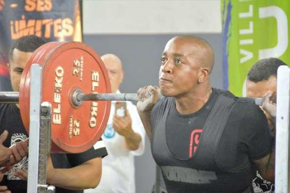 Force athlétique : des milliers de kilos soulevés à Dumbéa