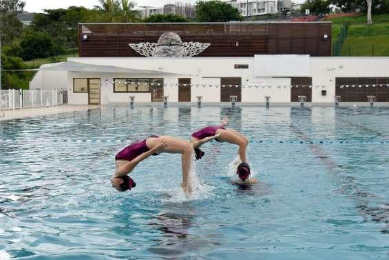 Les nageusesassurent le spectacle à Dumbéa