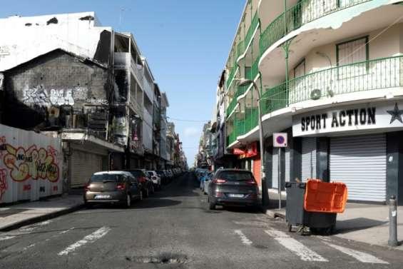 Covid: la Guadeloupe, dans une