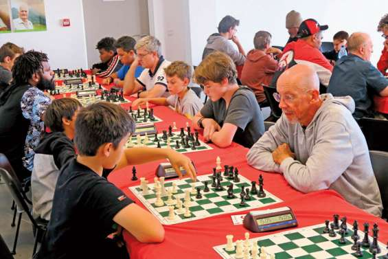 Michel Veu remporte le 5e trophée d'échecs de la ville