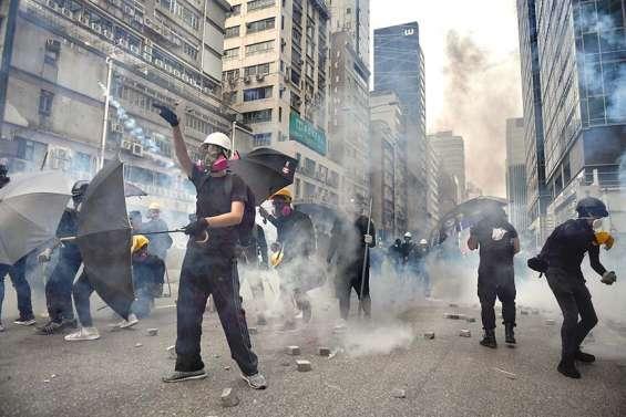 Hong Kong : reprise des heurts après dix jours d'accalmie