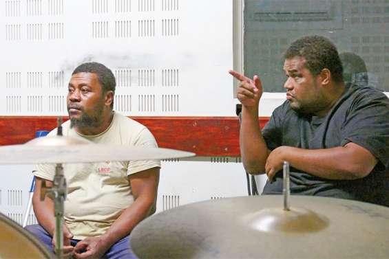 Entre soulagement et inquiétude, les musiciens se remettent au travail