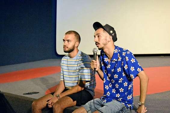 [VIDÉO] Big Flo et Oli à la rencontre des jeunes artistes du Rex