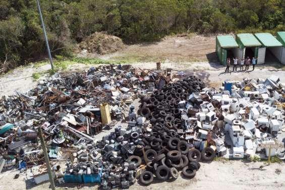 La lutte contre les déchets bat son plein à Nengoné