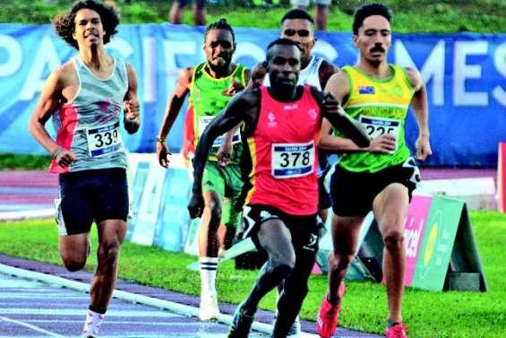 N'Godrela et Cochou éjectés du 800 mètres, Geffrouais bien lancé