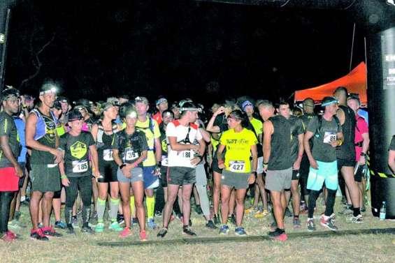 Cinq cents coureurs en piste pour défier l'obscurité