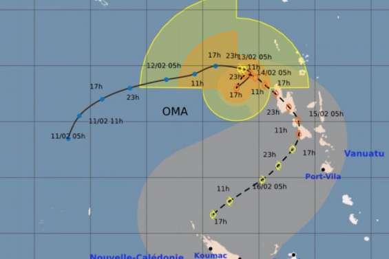 A 570 km au nord de Bélep, la dépression tropicale Oma continue de se renforcer