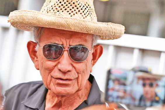 La justice saisit le compte d'Oscar Temaru