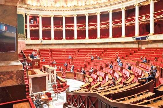 Le Parlement adopte le projet de loi d'urgence sanitaire