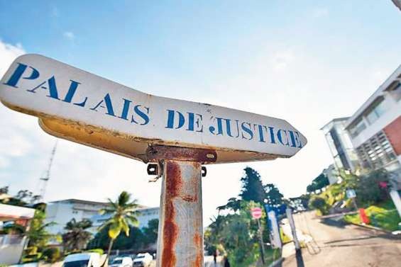 Ils volaient des voitures entre Nouméa et Canala : quatorze jeunes condamnés