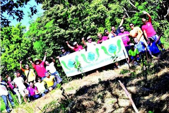 Le personnel de la GBNC a planté  deux cents arbres au Ouen Toro