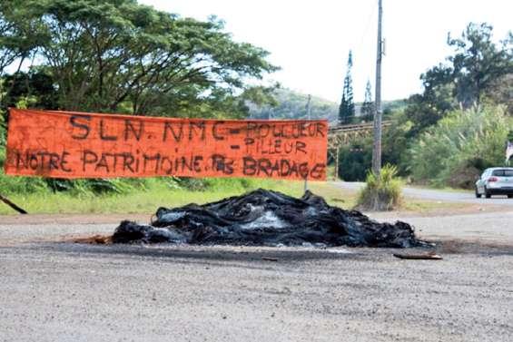 De petits vols et des dégradations  en marge du blocage de Kouaoua