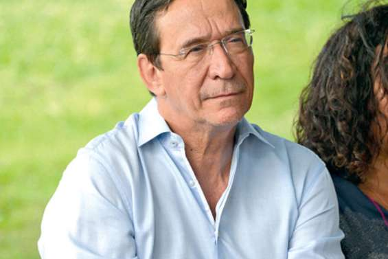 Philippe Gomès tête de liste en province Sud