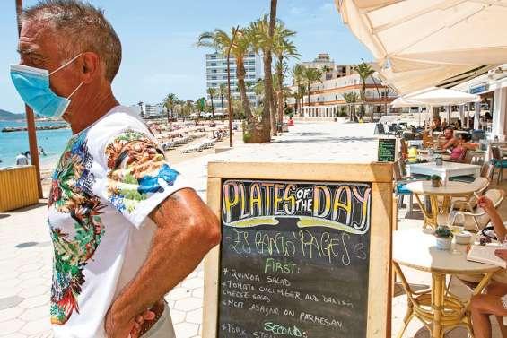 La pétillante Ibiza entre détresse économique et tranquillité inédite