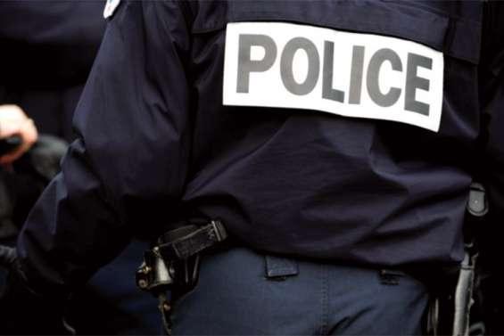Cinq hommes encagoulés dans une voiture volée interpellés par la police cette nuit