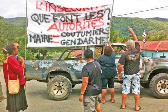 Manifestation contre les incivilités au village