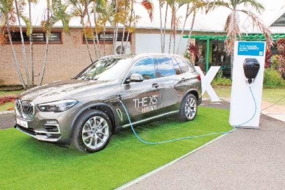 Première BMW hybride chez Prestige Motors