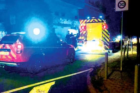 Un enfant décède piégé dans un rideau métallique